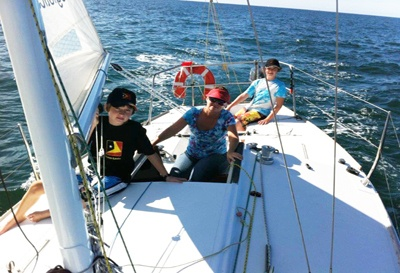 Susnhine Sailing Australia - Adults learn to sail